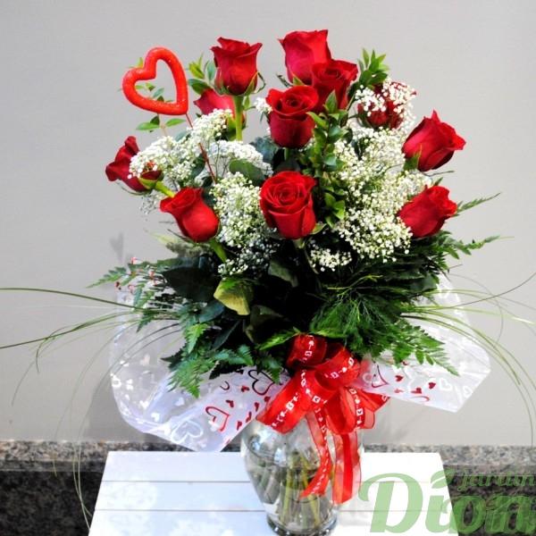 B valentin roses rouges avec vase jardin dion for Bouquet saint valentin