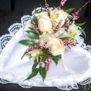 FMO-02011-coeur de satin-mortuaire-bouquet